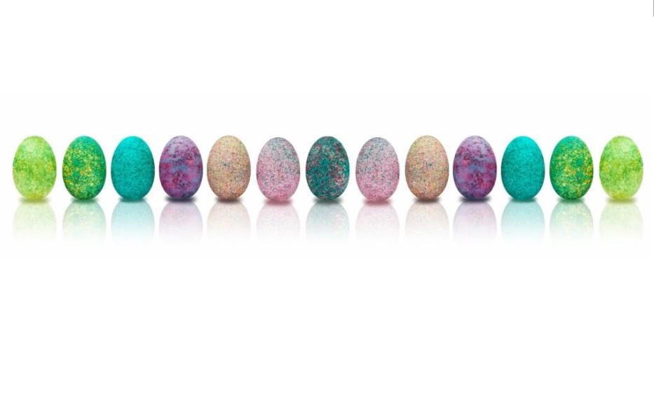 jajka fantazyjnie omalowane - uzupełnieni życzeń światecznych od biura podróży Odra Travel w Szczecinie