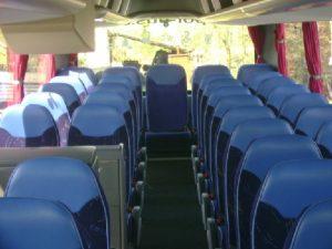 prezentujemy wnętrze autokaru przeznaczonego na wynajem: biuro podróży OdraTravel Szczecin